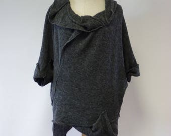 WINTER SALE. Warm fashion knitted grey sweater/vest, L size.