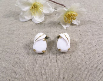 AUSTRIA! Beautiful Vintage Gold Tone Pair Of Lucite And Enamel Clip On Earrings Signed Austria  DL#3432