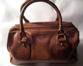 Beautiful ,Vintage Banana Republic handbag in excellent condition.