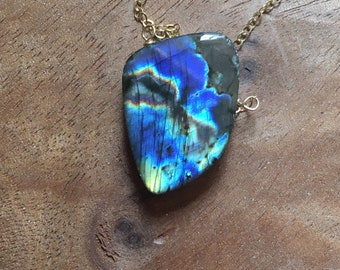 Labradorite Necklace - Labradorite - Stone Pendant Necklace - Labradorite Jewelry - Healing Necklace - Gold Labradorite