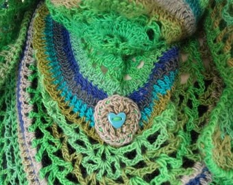"Lightweight crocheted shawl ""Mademoiselle Granny Smith"""