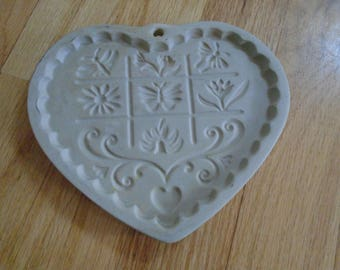 Pampered Chef Garden of the Heart cookie mold 1996