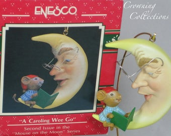 Enesco A Caroling Wee Go Mouse Treasury of Christmas Ornament Mice Second in Series Mouse Signing Carols Book We Go