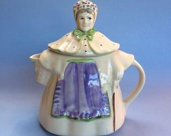 Shawnee Granny Ann Green Apron Vintage Teapot
