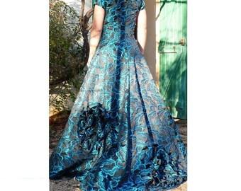 Gala custom dress, silk brocade: fabric and pattern choice