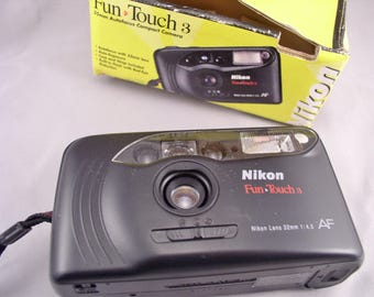 Vintage NIKON Fun Touch 3 35mm auto-focus Camera in original Box - Vintage Camera