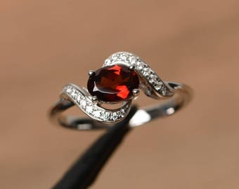 natural garnet ring garnet anniversary ring January birthstone ring oval cut red gemstone ring sterling silver ring