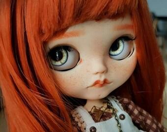 Uschi by ElDollRado – Blythe OOAK custom doll, jointed body + outfit