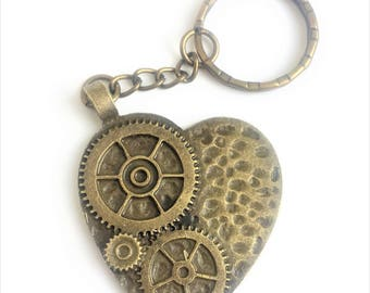 Love Steampunk Heart shaped Gears and Cogs design Keuchain or purse charm