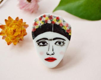 Frida Kahlo ceramic brooch Ceramic pin Porcelain jewellery Illustrated jewelry Face pin Gift for artists
