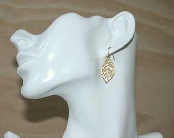 Gold Leaf Earrings, Gold Earrings, Gold Filled, Nature Jewellery, Summer Jewellery, Gold Jewellery, Delicate Earrings