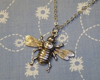 Antique Silver Bee Charm Pendant Necklace
