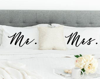 Pillowcases Mr and Mrs Bridal Shower Gift Newlywed Gift Pillow Case Set His and Hers Wedding Gift Bride and Groom Bedroom Decor Housewarming