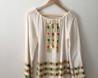 Vtg indian cotton gauze embroidered blouse