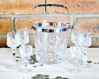 Cristal D'Arques vintage 1970s French lead crystal ice bucket with removable handle; 4 crystal port glasses; 2 crystal liqueur glasses