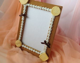 Decoden Sweets Picture Frame With Biscuits, Whipped Cream, and Bows