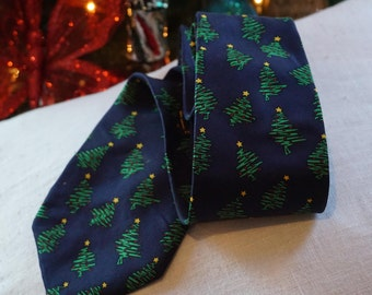 "Vintage Alynn Neckwear ""Christmas Tree with a Twist""/Stamford CT/ Holiday Tie/ Christmas Tiel Party/ Preppy Christmas Tie/ Navy Blue"