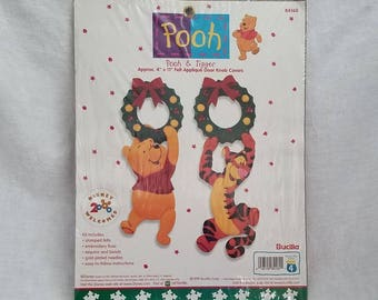 CHRISTMAS FELT APPLIQUE Bucilla #84160 Winnie the Pooh Tigger Disney Door Knob Covers 1999 Collectible Vintage