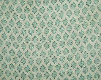 "White Fabric, Green Printed, Quilting Fabric, Sewing Crafts Accessories, 42"" Inch Rayon Fabric By The Yard ZBR372B"