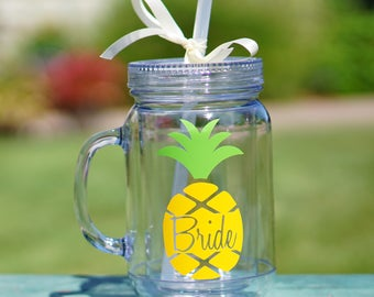 Pineapple Gift, Personalized Pineapple Tumblers, Pineapple Cups, Bridesmaid Gift, Pineapple Mason Jar, Bachelorette Party Favors