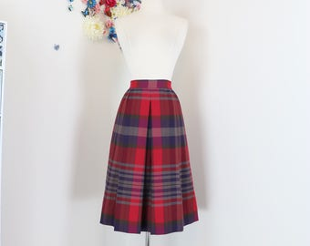 "1950s 60s Skirt - Plaid Pleated Midi Skirt -  Red Purple Grey Full Flare Skirt - Pockets - Classic Vintage - Size Medium Large - 30"" Waist"