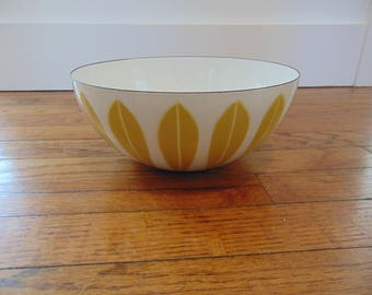 "Cathrineholm Gold Mustard Lotus 9 1/2"" Bowl"