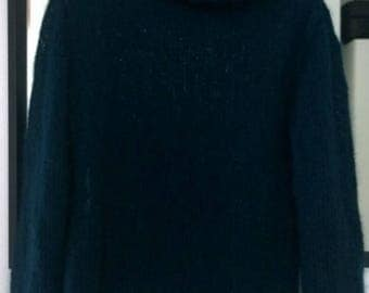 Black mohair sweater battle sleeves size S-M
