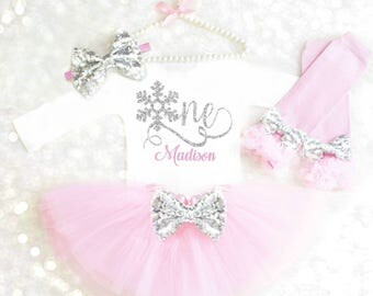 Winter Onederland Outfit Winter Wonderland Birthday Outfit Winter 1st Birthday Pink and Silver Cake Smash Outfit Girl Frozen Birthday Outfit