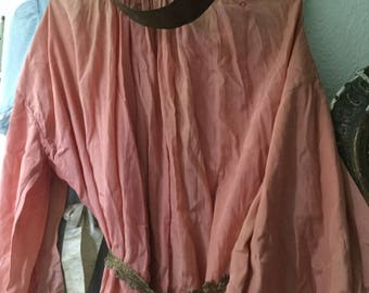 processionsdress antique with crown rare