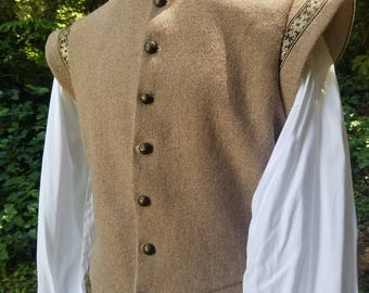 Men's Wool Sleeveless Doublet with Trim - Large
