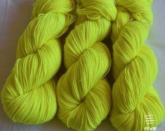 Hand dyed sock yarn: All Eyes On Me - Sock - 75 Superwash Wool/25 Nylon, Handdyed yarn, Handdyed sock yarn