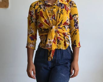 Sz xs/s Yellow floral button up
