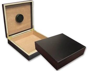 Engraved Cigar Box w Humidor, Personalized Cigar Box, Groomsmen Gifts, Wedding Gift From Bride, Custom Cigar Box, Groomsmen Presents