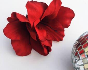 Red Flower Fascinator, Gladioli Hair Flower, Red Goth Hair, Pin Up Hair Flower, Wedding Fascinator, Red Hair Clip, Boho Hair Flower,