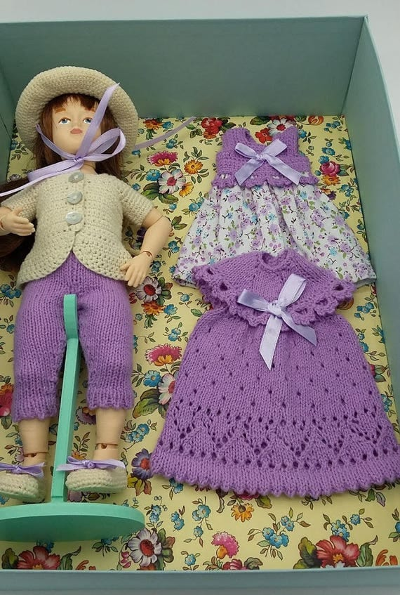 Ball jointed Zisa Doll, set in lilac