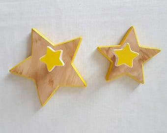Set of 2 wooden star shaped hooks