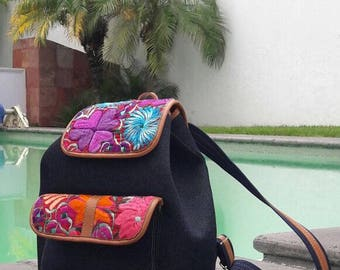 Bags with embroidered of Chiapas State