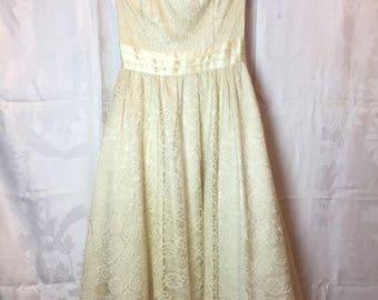 343. GUNNE SAX- Lace Prom Dress