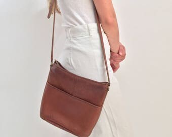 Vintage Brown Leather Coach Bag With Single Strap, Brass Zipper, Interior Pocket, 70s simple coach brown