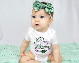 St Patricks Day Headband- Plaid Bow; Plaid Hair Bow; St Patricks Day Bow; Clover Bow; Clover Headband; Clover Hair Bow; Plaid Nylon Headband