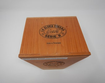 Wooden Cigar Box, La Gloria Cubana, Serie R, Esteli, No. Sixty, 6x60, Brown Cigar Box