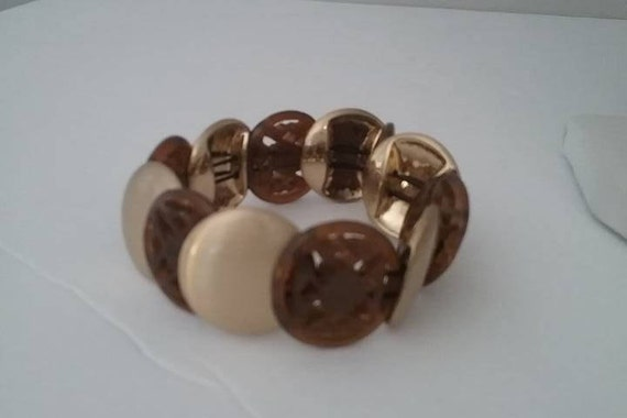 Monet Lucite stretch Bracelet, Monet Stretch Bracelet, Lucite disc Monet Bracelet, Monet Bracelet with Lucite Discs, Brown and Gold Monet