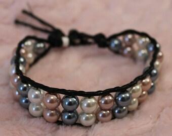 Bracelet. Beaded Bracelet. Pearls. Free Domestic Shipping.