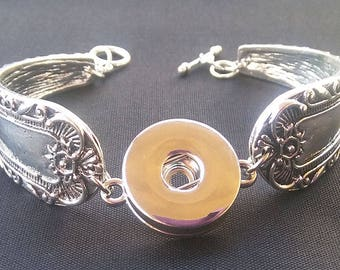 Spoon style bracelet, Snap charm, One snap bracelet, Snap button Bracelet, trendy jewelry, fun and trendy, fits noosa, fits gingersnaps