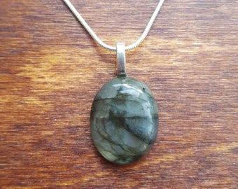 Labradorite silver necklace - gemstone necklace - birthstone necklace - gift necklace - birthday present - flashy labradorite - pendant - 37