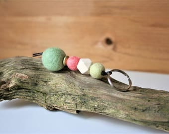 Key ring Keychain with wood and felt beads, length 11 cm