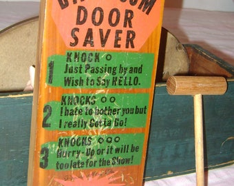vintage Wooden BATHROOM DOOR SAVER with Knocker - souvenir Pocono Mountains Pennsylvania