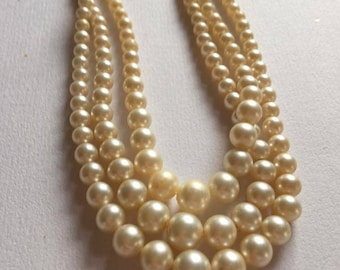 Faux pearl 3 strands