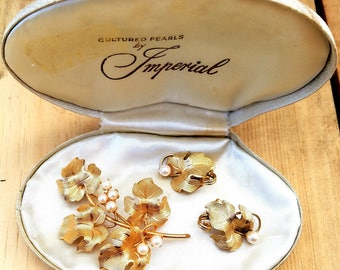IPS - Imperial Syndicated Pearls - Cultured Pearl Brooch and Earring Set,  Genuine Pearl and 12KT G.F. Set, Gold Filled Grape Leaf Jewelry