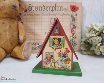 Adorable small wooden money box with cute bear motif ~ handmade german woodwork ~ hw3778